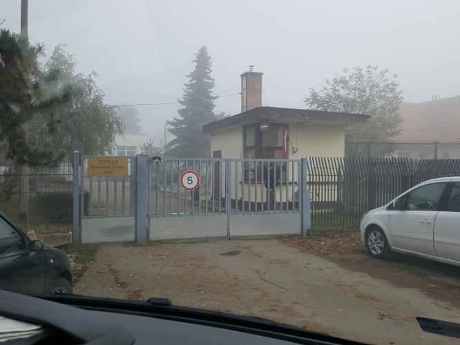 Front entrance to Topház Speciális Otthon. (c) MDAC, 15 November 2016.
